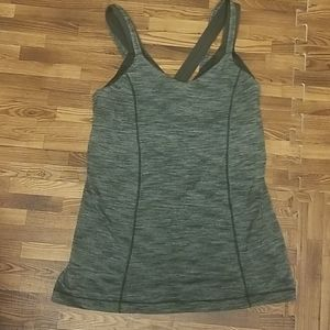Womens lululemon shirt w/built in bra